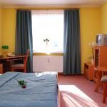 Pokój dwuosobowy premium w Hotelu Trzy Światy w Gliwicach