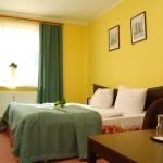 Pokoj dwuosobowy double lux w Hotelu Trzy Światy w Gliwicach